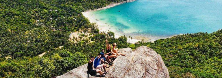 digital-nomads-hiking-in-floripa