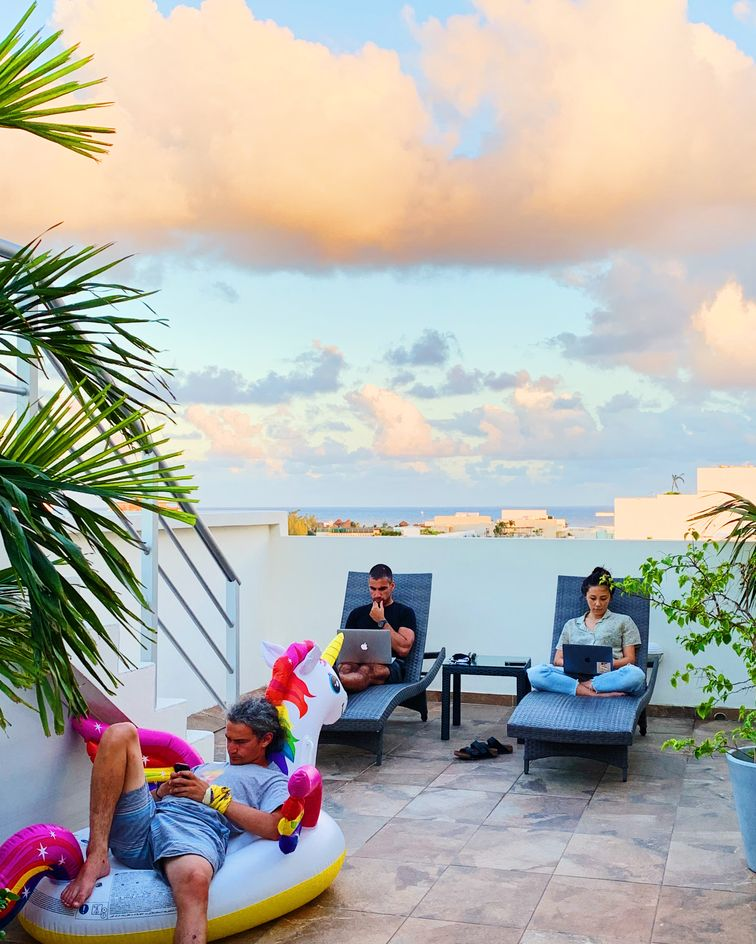 remote-workers-in-mexico