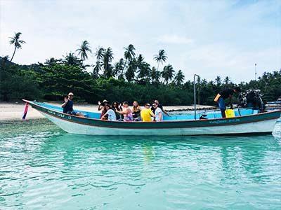 boat-koh-phangan-digital-nomad-hacker-paradise