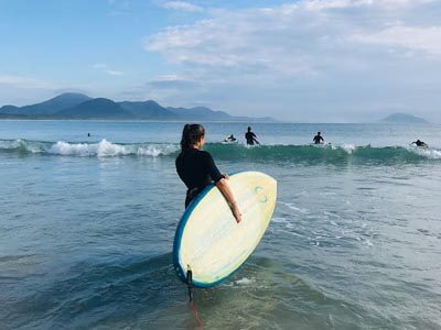 digital-nomad-floripa-morning-surf